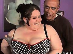 Первоклассный минет от жирной проститутки