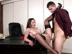 Озабоченный босс ебет на столе милую секретаршу в чулках Julie Skyhigh