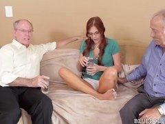 Два старых пердуна делят молодую рыжую Zara Ryan