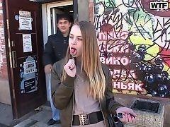 Русская девушка взволнована и подцепила ебаря