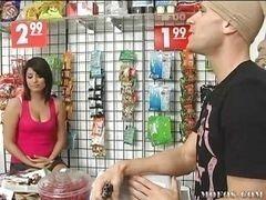 Christina Moure мастурбирует от скуки