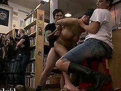 телку связали и трахают в библиотеке толпа мужиков