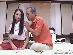 Дед японец вылизывает киску своей молодой жены